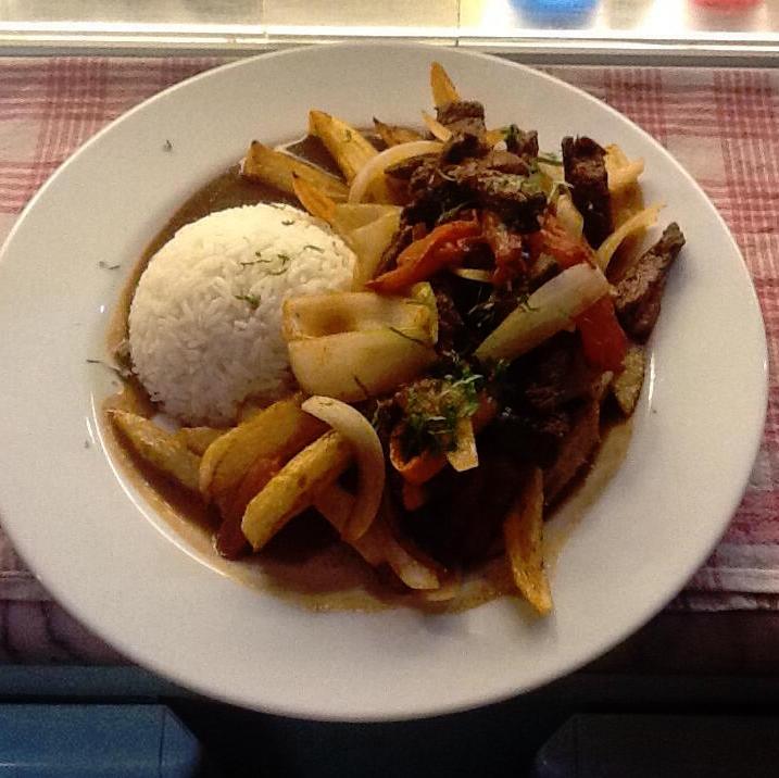 Puerta-Del-Sol-Restaurant-Péruvien
